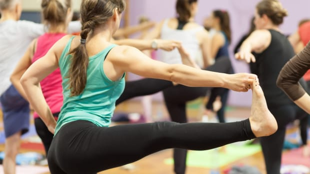 5 Reasons Bikram Yoga Can Be a Buzz Kill