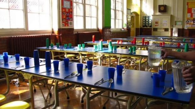 schoolcafeteria-ccflcr-Londonlooks1