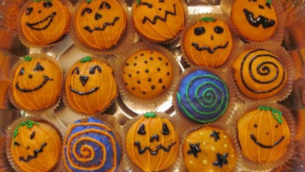 healthy-halloween-recipes-cupcakes-ccfl