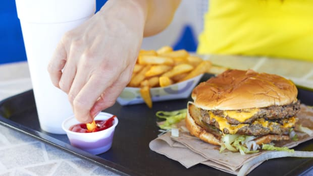 New Report Finds 12 of 25 Popular Fast Food Restaurants Scored an F on Antibiotic Policies