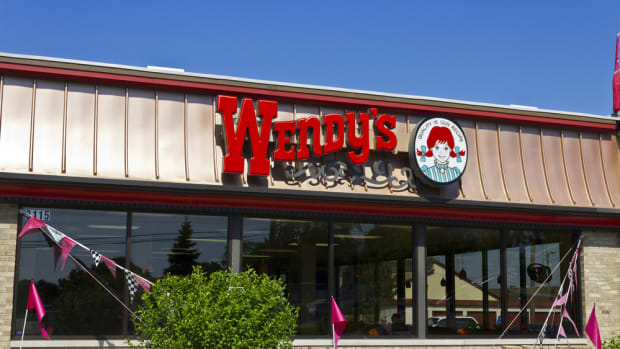 Wendy's removes antibiotics