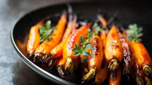 Citrus and Maple-Glazed Roasted Carrots Recipe