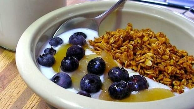 yogurt-blueberries