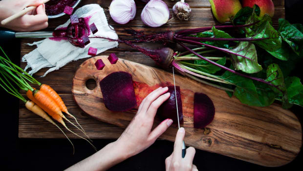 Plant-Based Meal Kit Leader Purple Carrot Partners with Forks Over Knives Media Company