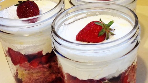 strawberry shortcake in mason jars photo