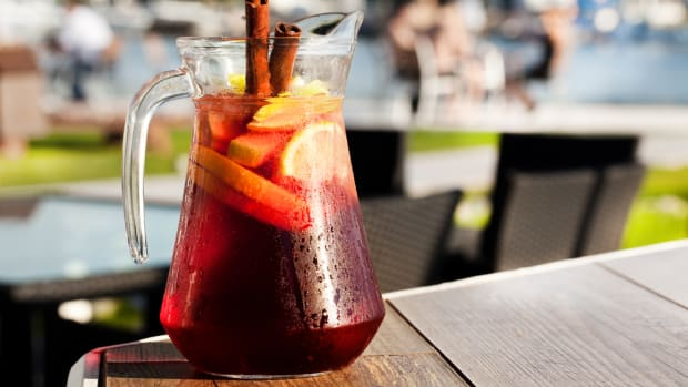 Warm, autumn red sangria recipes.
