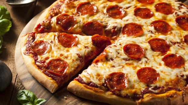 Papa John's First Pizza Chain to Say Arrivederci to Artificial Flavors and Colors