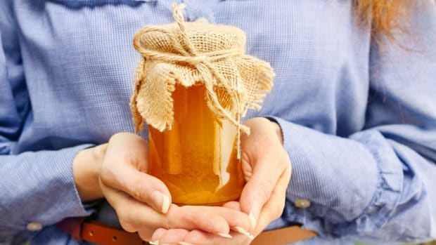 The Health Benefits of Honey: What You Should Know Before You Buy