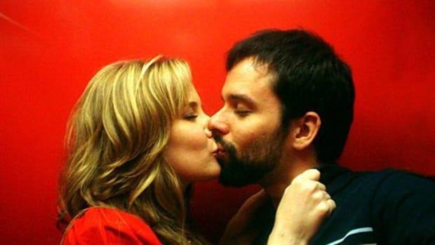 kissing-ccflcr-Knivesout