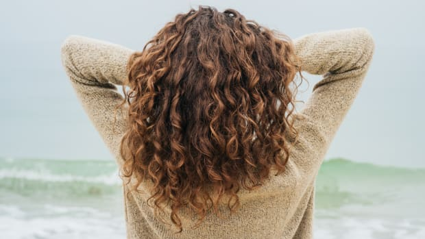 How to Use Apple Cider Vinegar for Gorgeous, Healthy Hair
