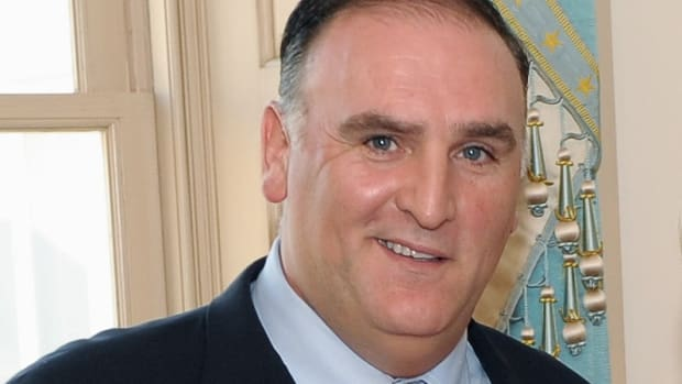 Chef José Andrés Opens Resource Kitchen to Assist Furloughed Federal Employees