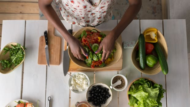 Make Your Own Salad Bar at Home in 3 Easy Steps