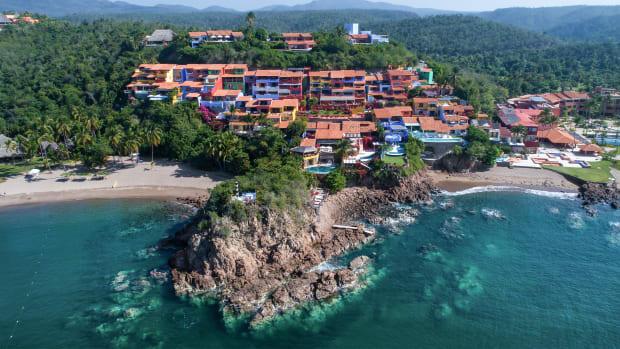 Mexico Costa Careyes shoreline beach