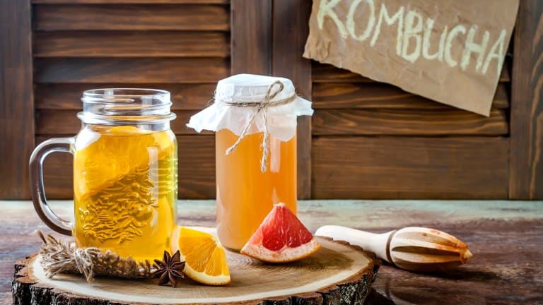 Yasss! This 4-Ingredient Kombucha Recipe is Easy Homemade Fermented Goodness