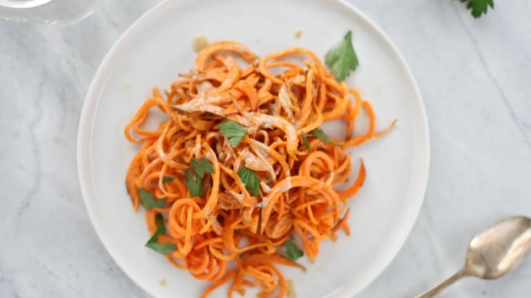 Cozy Dinner Alert: Sweet Potato Pasta with Garlic Tahini Sauce