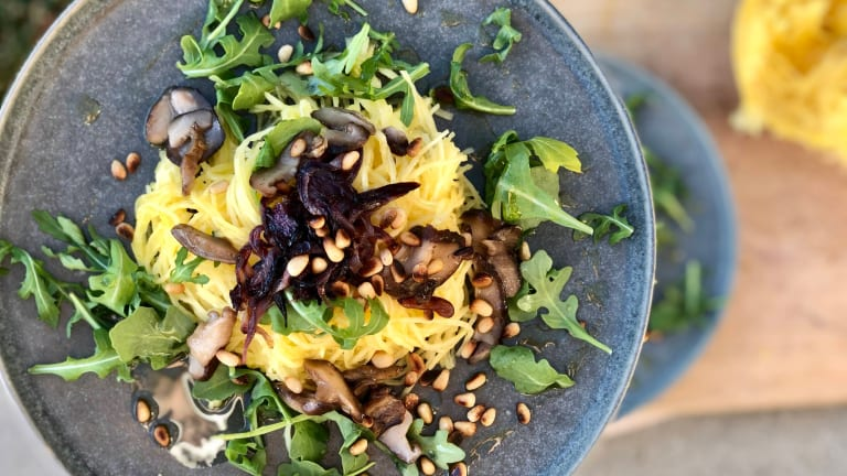 Easy Weeknight Veg Supper: Spaghetti Squash with Mushrooms, Pine Nuts, Arugula & Caramelized Onions