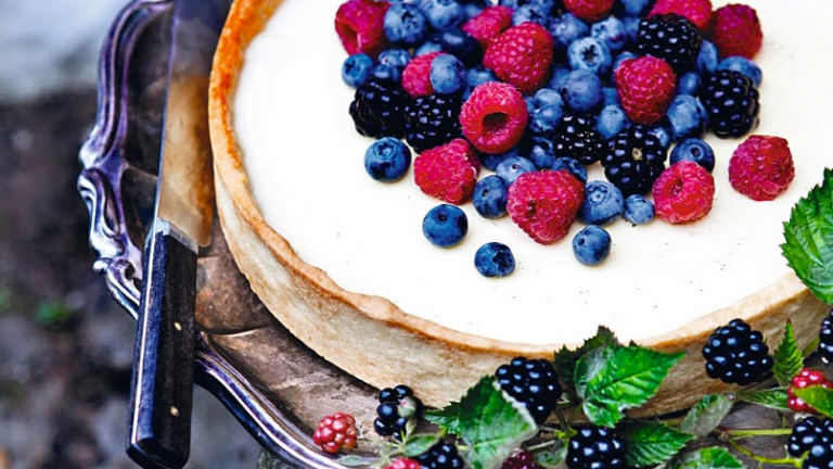 Pannacotta Pie With Fresh Berries