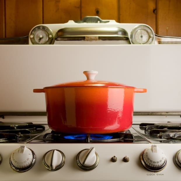 11 Cast Iron Cookware Pieces Under $100