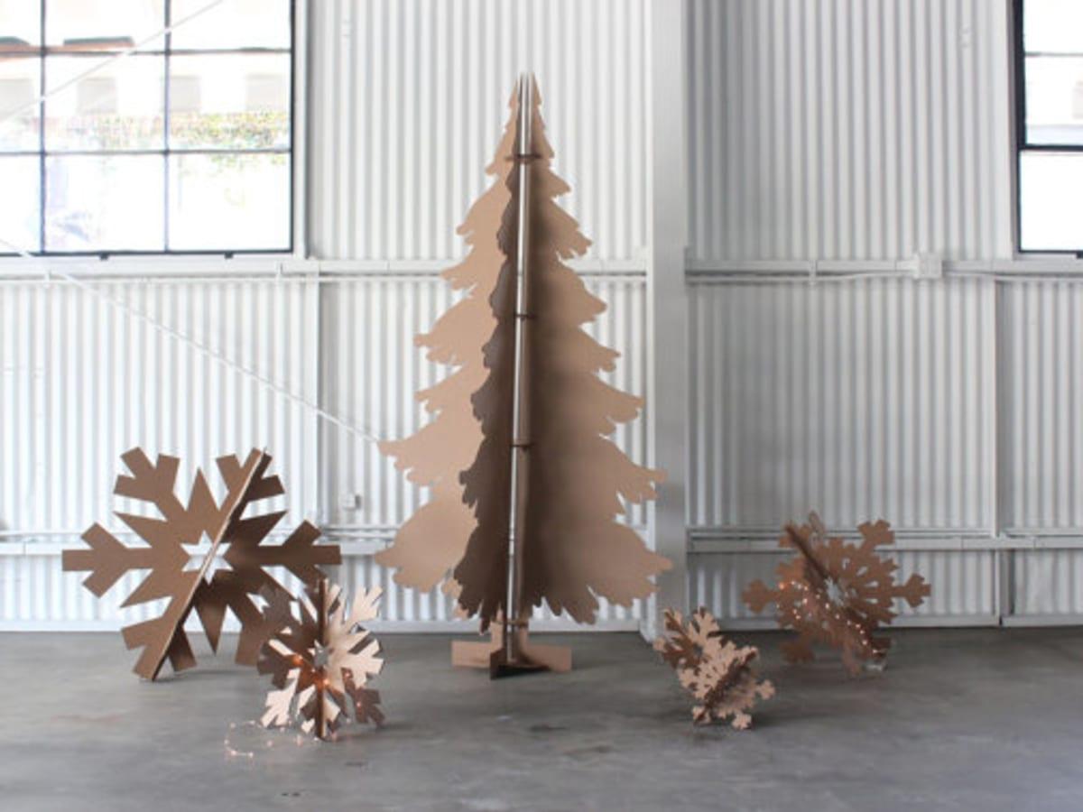 12 Cleaner Greener Simple Diy Christmas Tree Alternatives Organic Authority