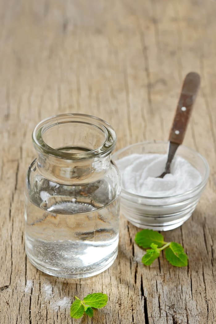 Coconut-Peppermint Homemade Mouthwash Recipe