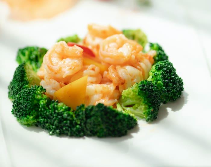 Prawns and broccoli