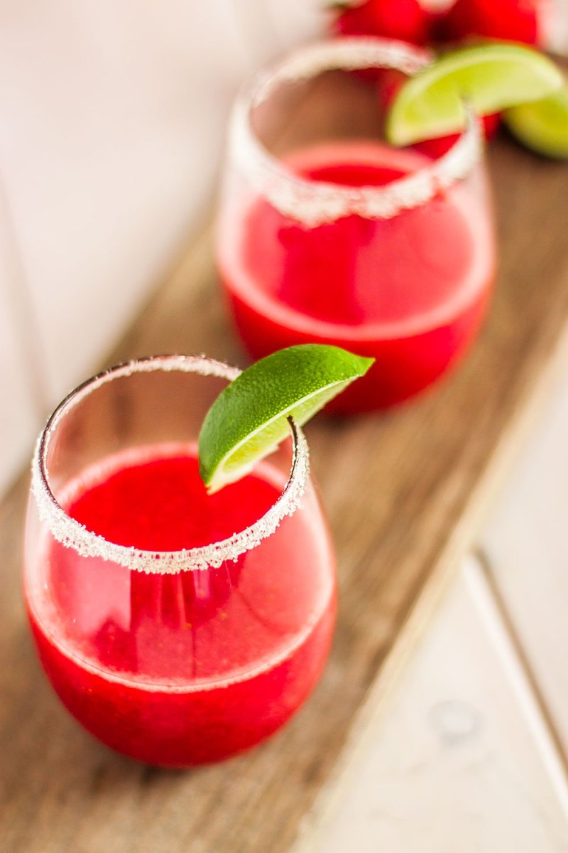 Organic Strawberry Margarita with Lime