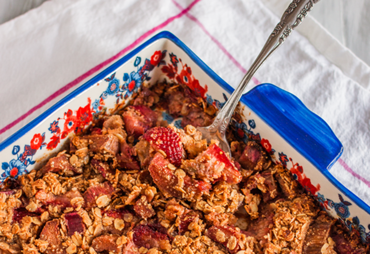 Sweeten Up Your Spring With This Strawberry Rhubarb Crisp Recipe