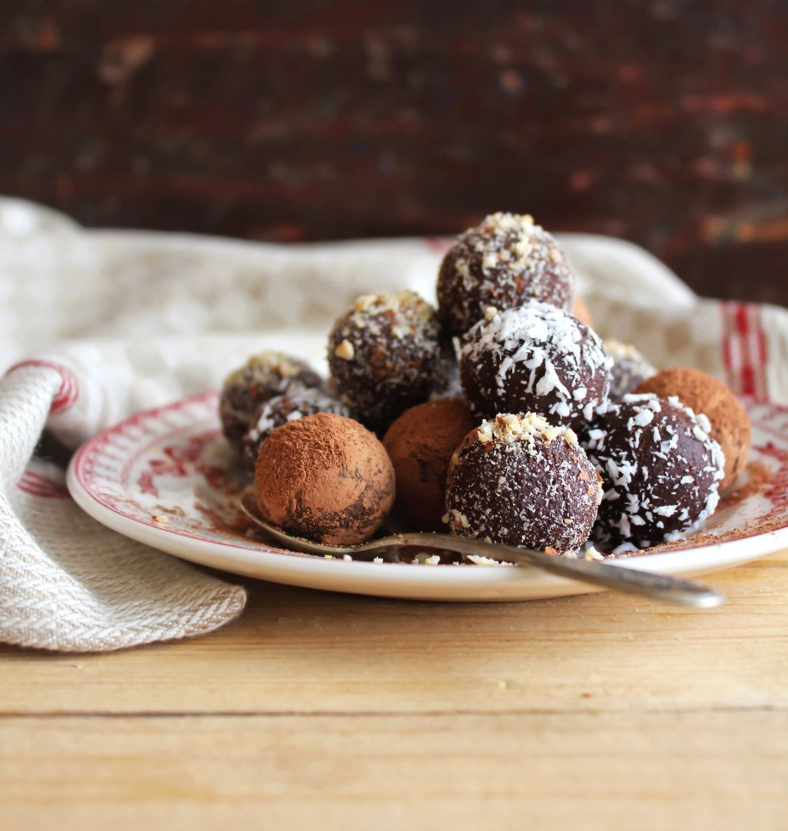 Mini Raw Vegan Chocolate Bites Recipe