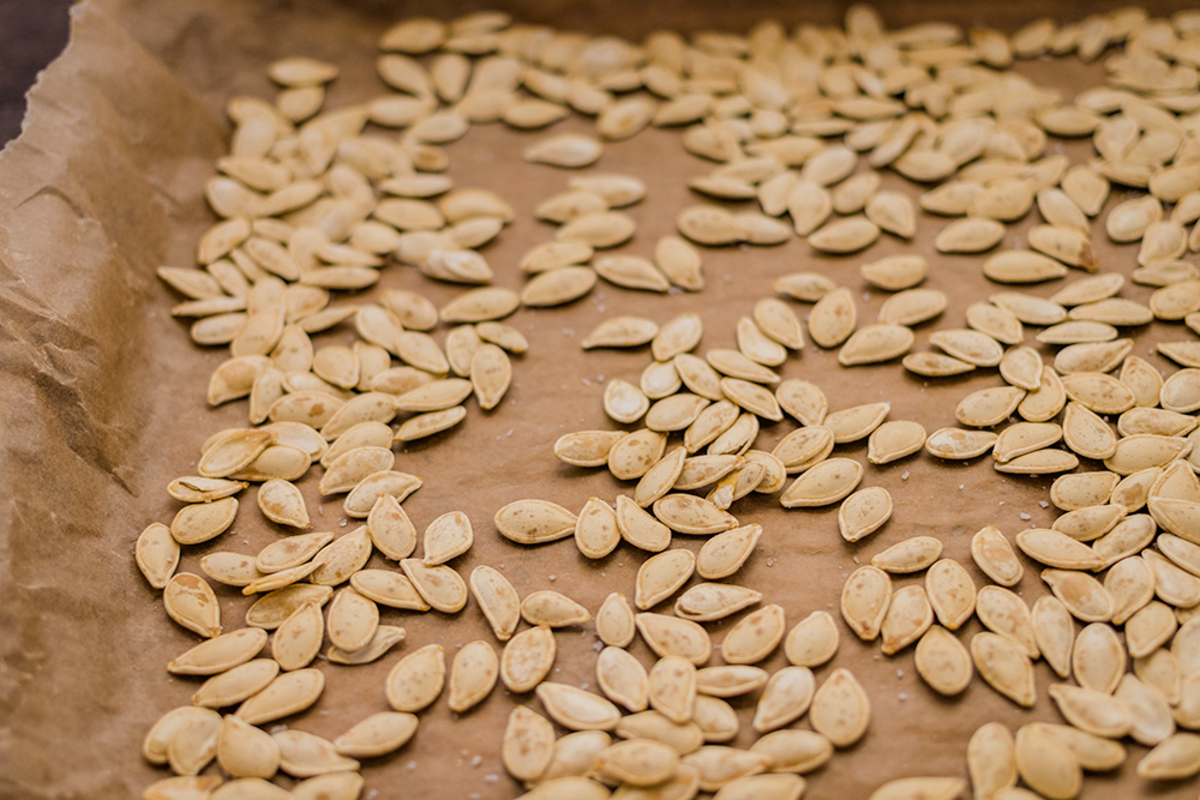 How To Roast Pumpkin Seeds: Tips and tricks to clean the seeds faster and get crispy pumpkin seeds!