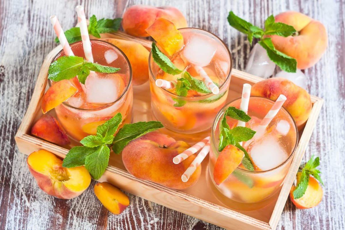 Grilled peach whiskey sour recipe with mint