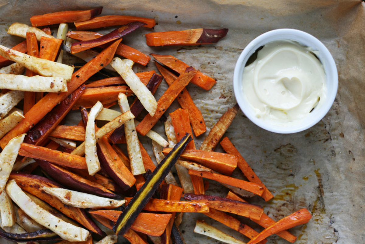 avocado mayo and carrots