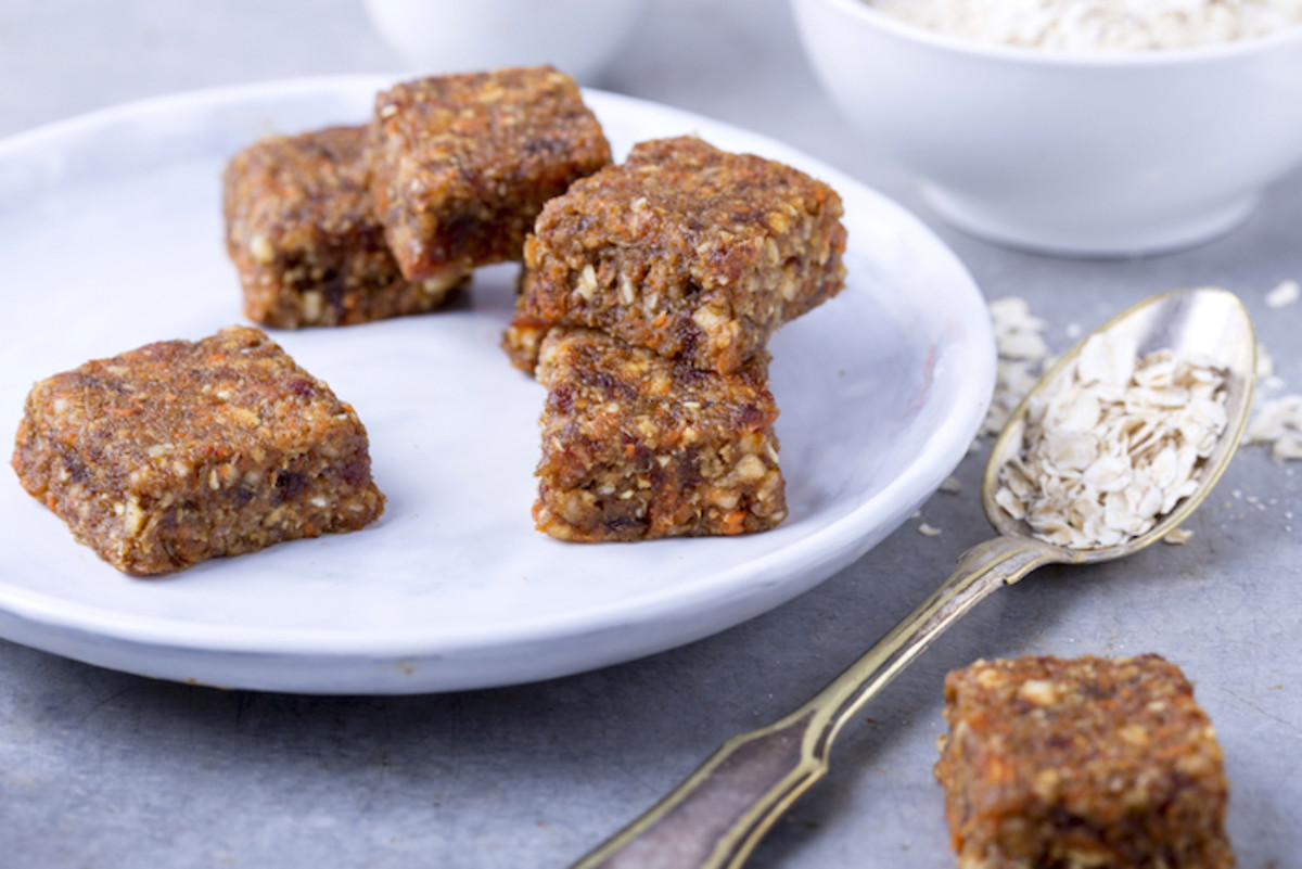 A Healthy Snack You Crave All Day, Every Day: Raw Cranberry Coconut Bars