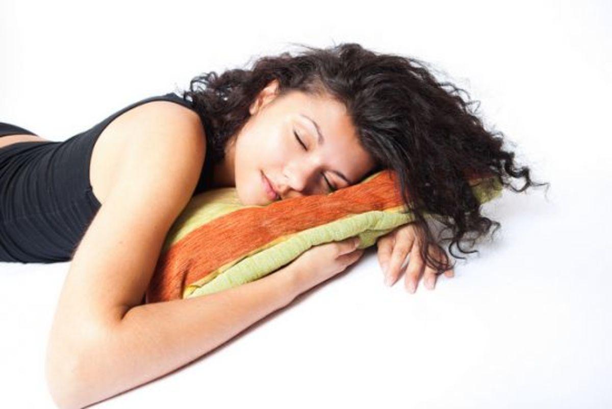 girl_sleeping_relaxingmusic_ccflr