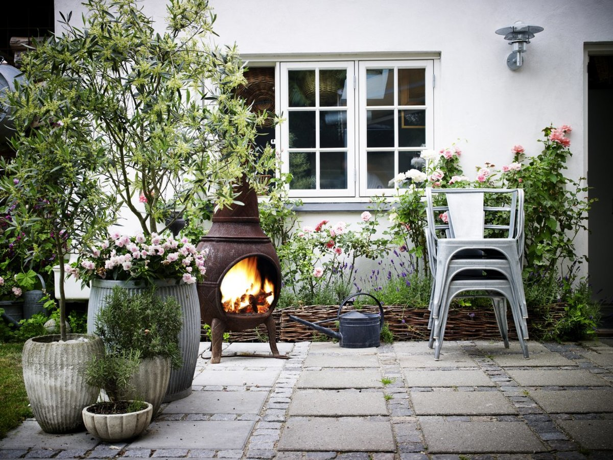7 Easy Ways to Make the Most of Your Outdoor Living Space This Spring