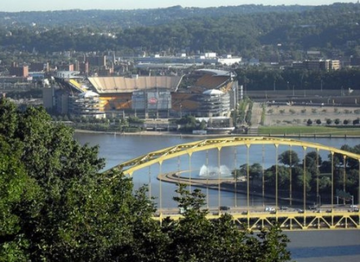 Pittsburgh's drinking water is contaminated with radioactive radium/></p>  <p>High levels of radium—a highly radioactive substance—have leaked into the drinking water supplies in Pittsburgh, Pennsylvania, as well as dozens of other cities in the area.  A practice called fracking, which is a relatively new method used in drilling for natural gas, is the cause of the contamination.</p>  <p>In a <a href=