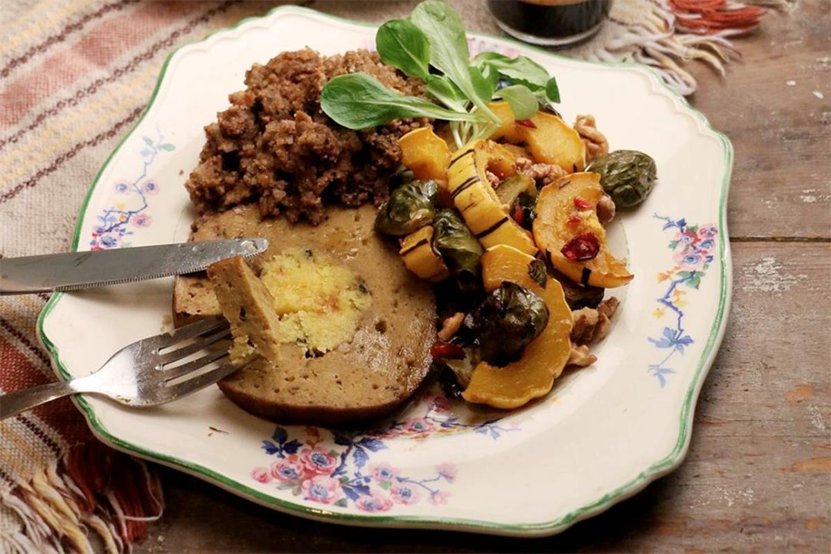Vegan Thanksgiving Roasts: The Herbivorous Butcher Roast