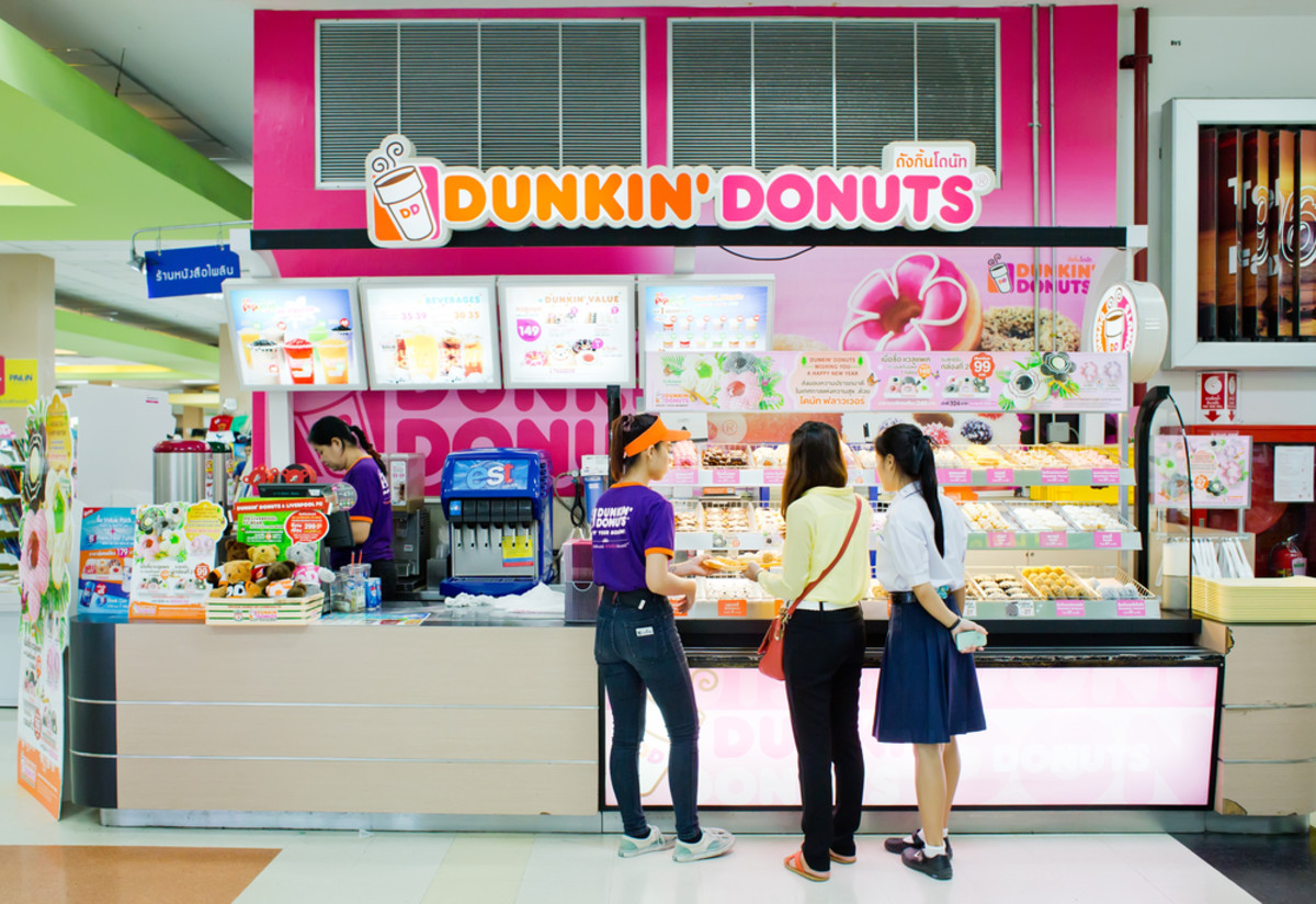 Dunkin Donuts Nixes Toxic Chemical From Powdered Donuts