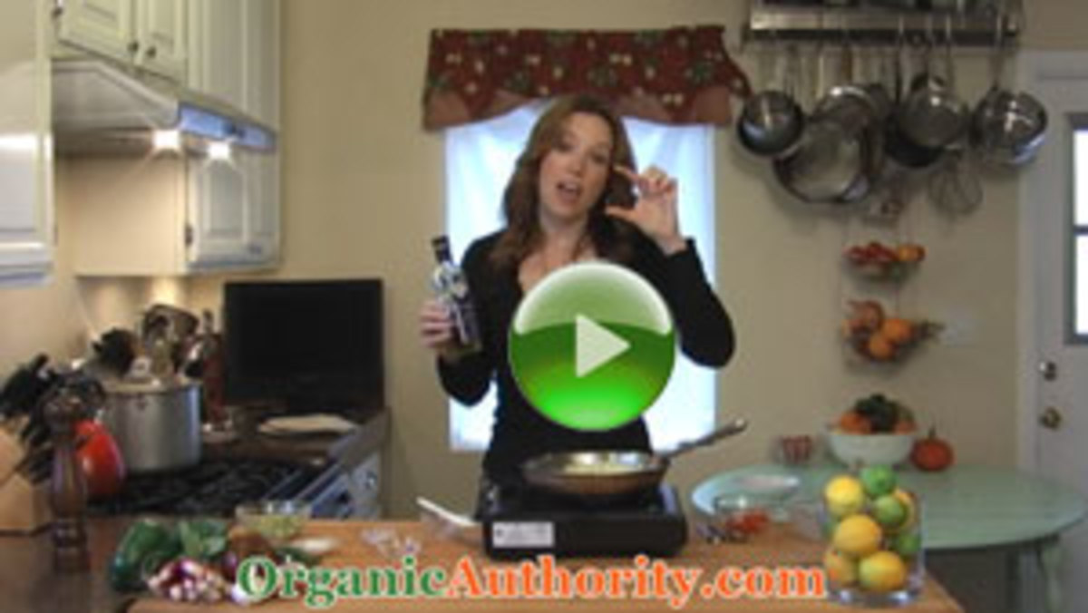 Scrambled-Eggs-with-Black-Truffle-Ricotta-Avocado-play4