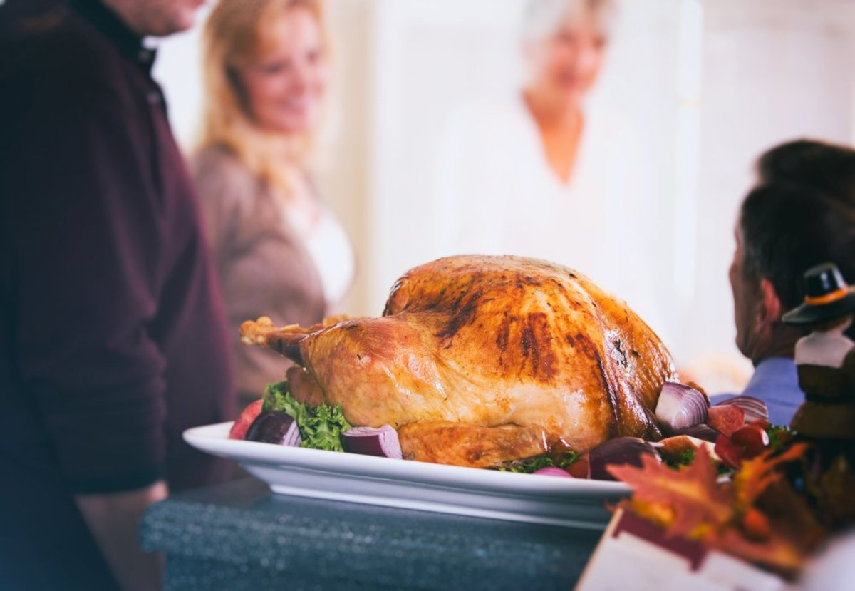 Create a calm and civil Thanskgiving dinner with these tips.