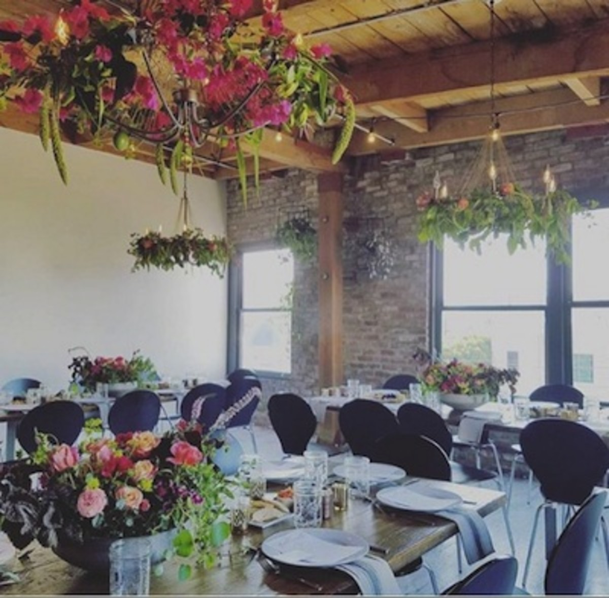 Meal setting for floral dining experience