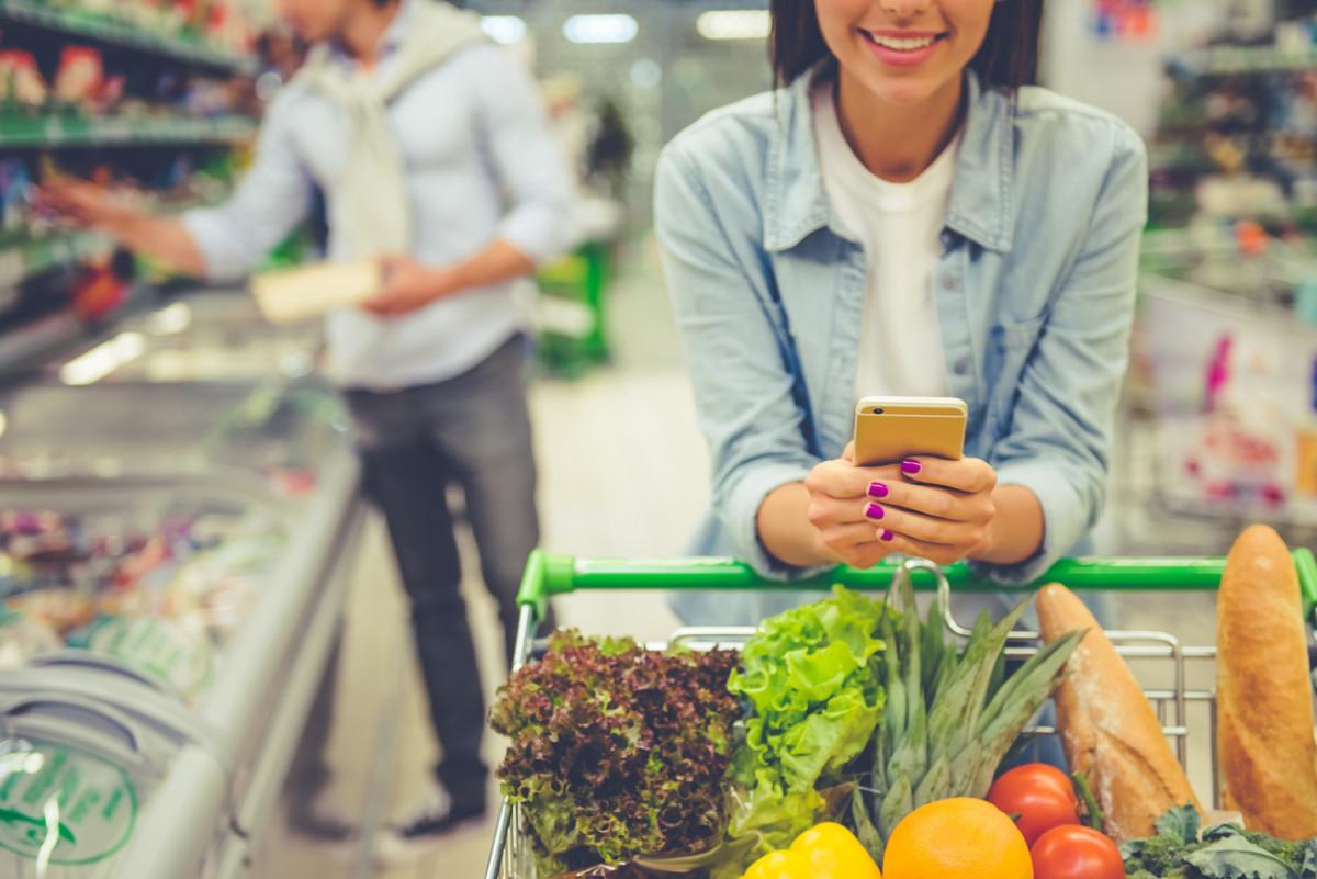 couple supermarket shopping