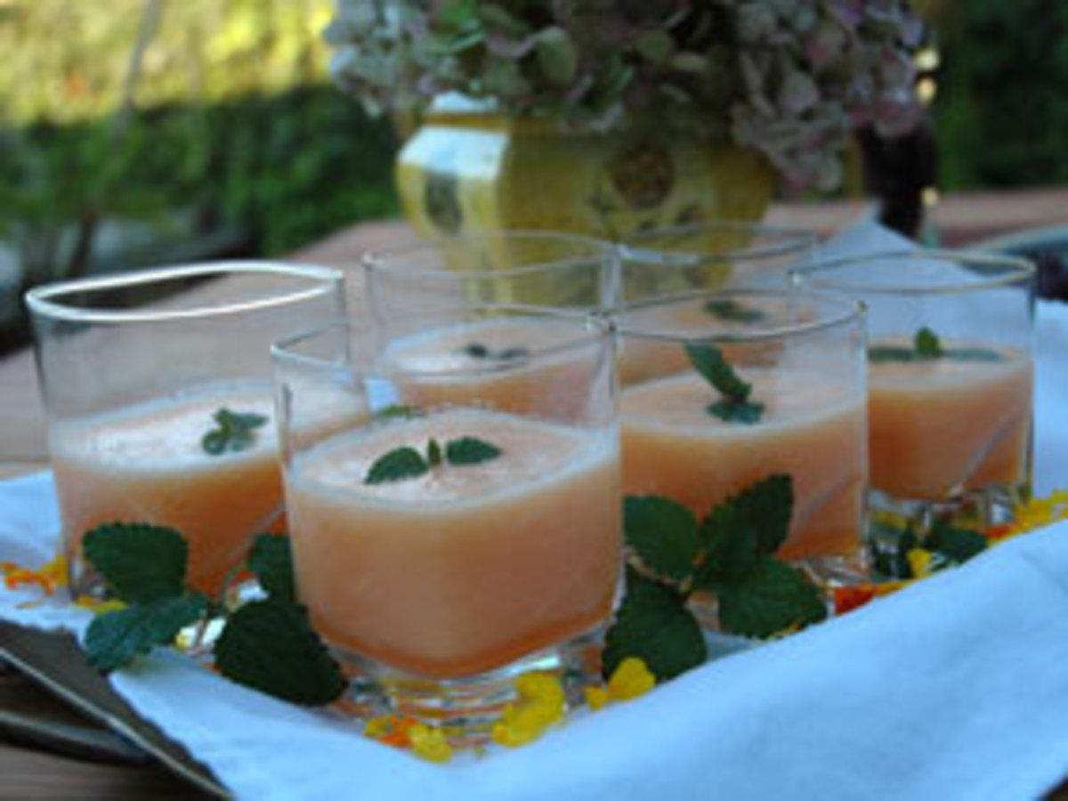melon-champagne-soup1