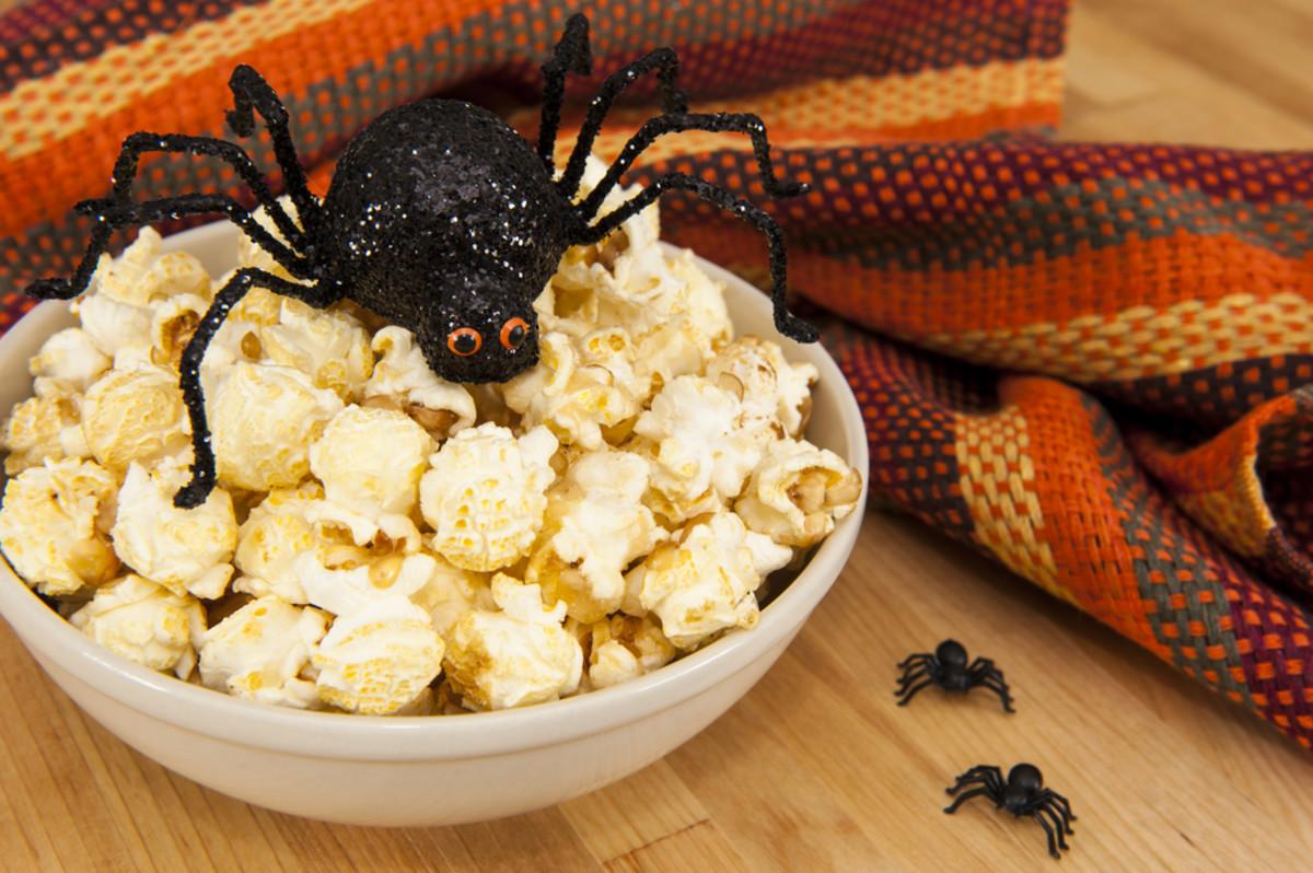 Healthy Halloween treats, popcorn