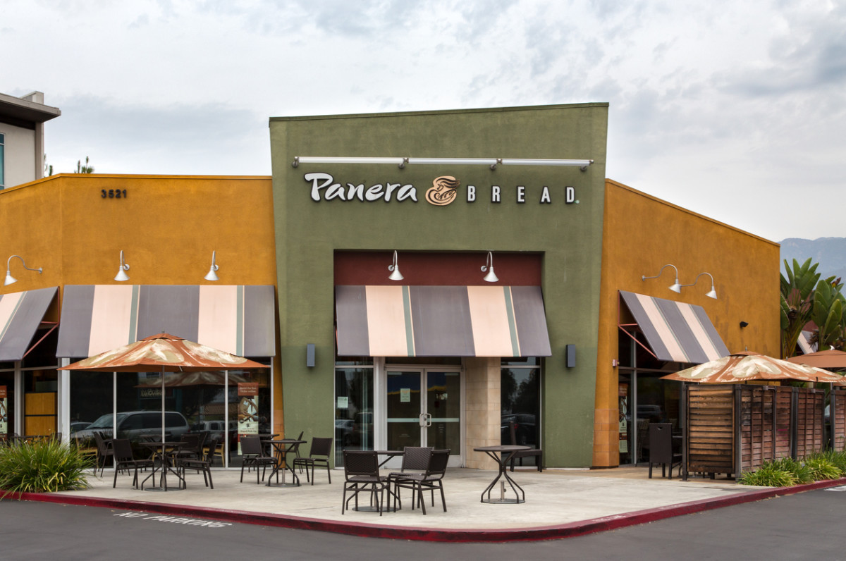 Panera Bread Restaurant Exterior