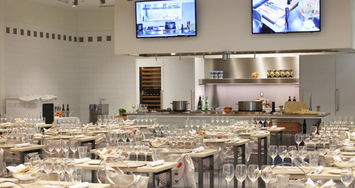 Eataly school and food.