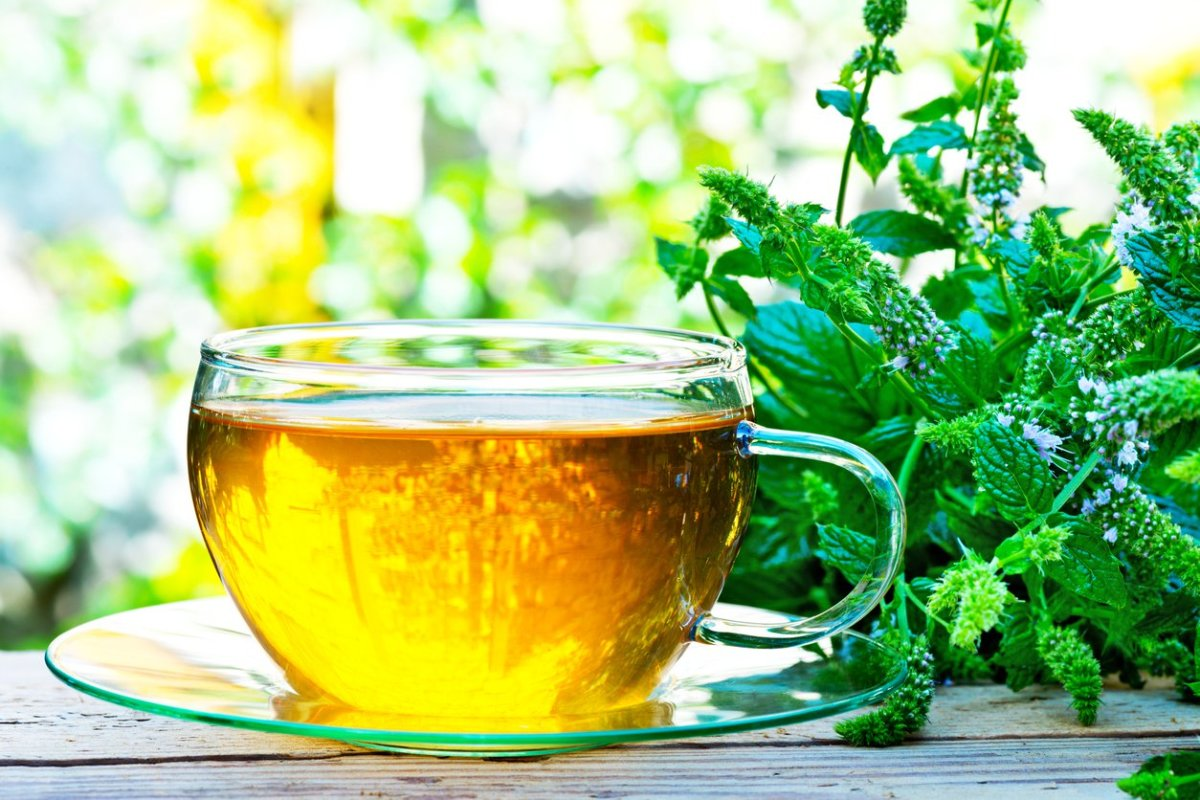 7 Health Benefits of Peppermint Tea (What Can't It Do ...