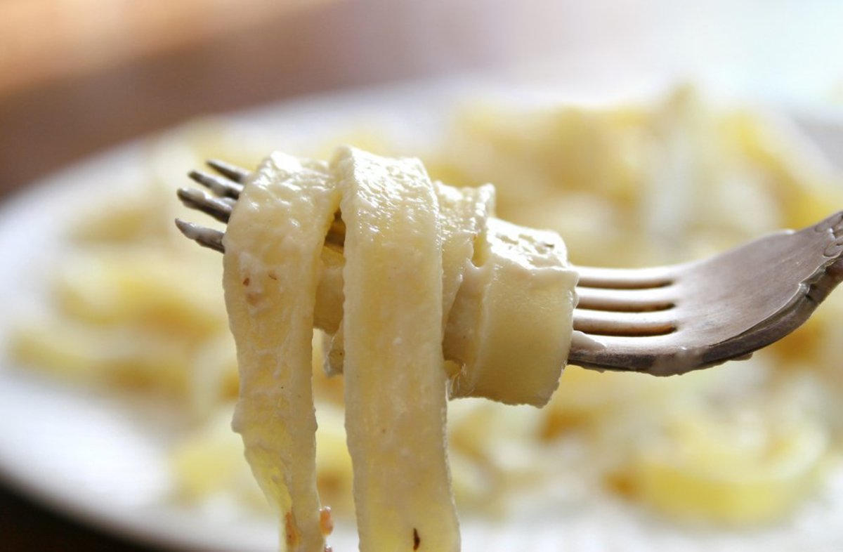 Vegetarian Fettuccine Alfredo Recipe With Cauliflower Sauce