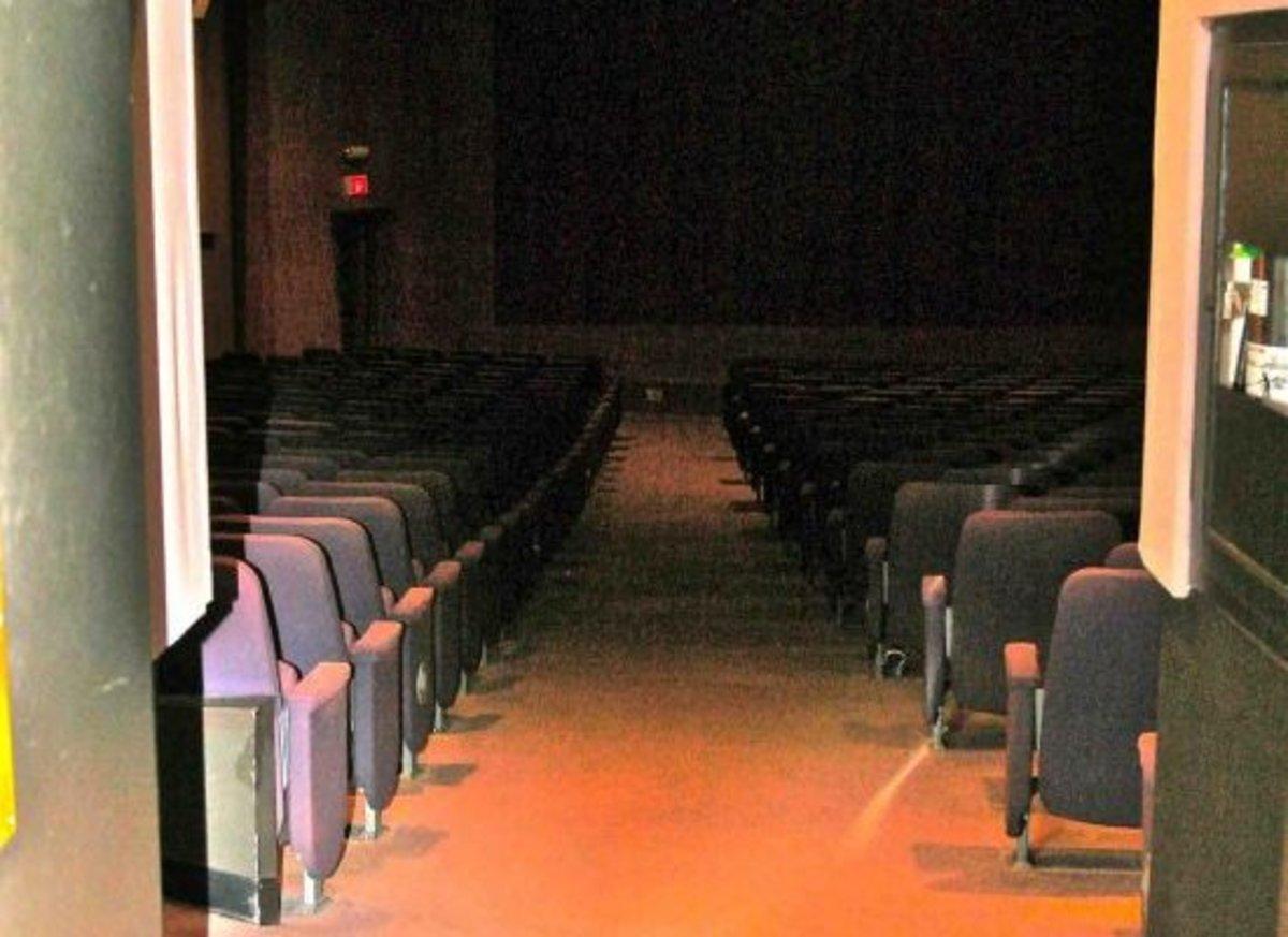 theater-jillslibrary-jillettinger1