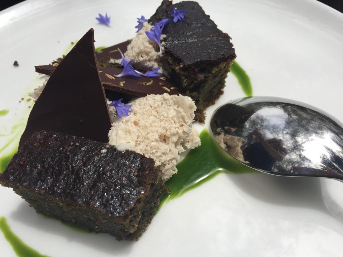 Chlorella olive oil cake