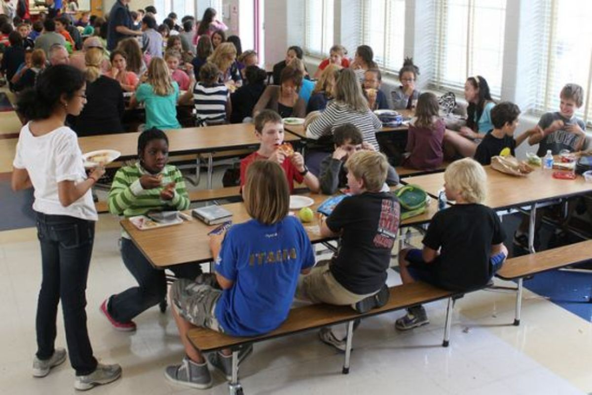 lunchroom-ccflcr-woodleywonderworks